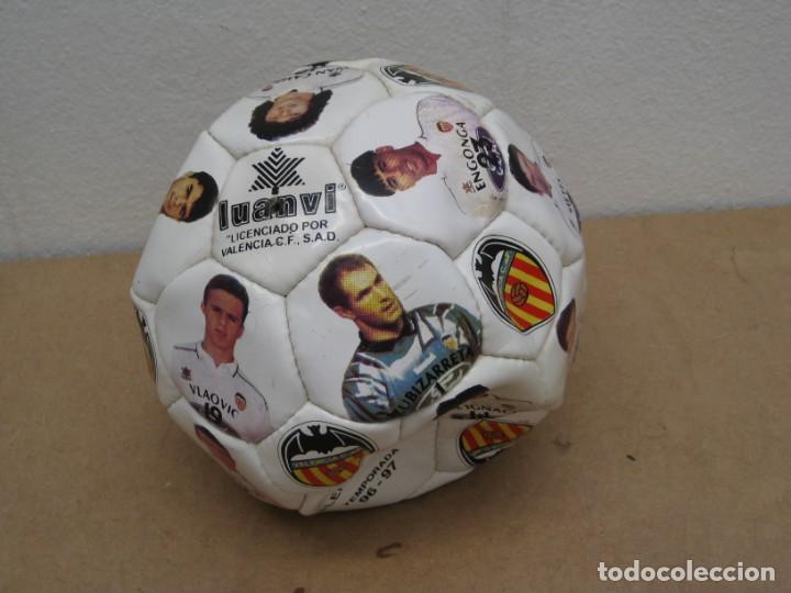BALON DEL VALENCIA C.F TEMPORADA 96-97. (Coleccionismo Deportivo - Material Deportivo - Fútbol)
