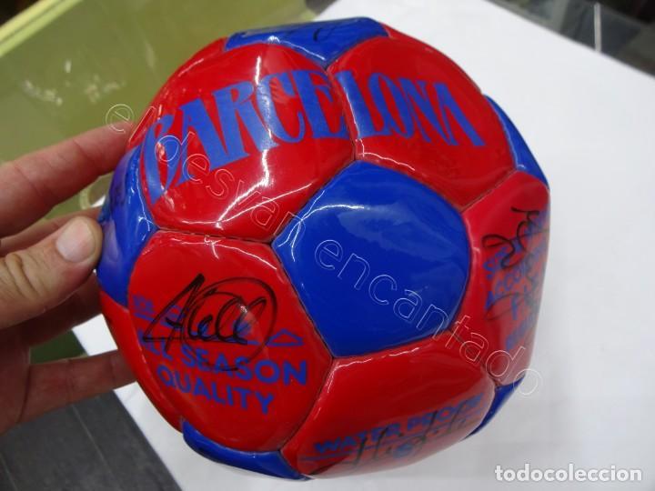 Coleccionismo deportivo: Balon con firmas originales FC Barcelona. Años 90. NADAL-SERGI-RIVALDO-PIZZI...... - Foto 4 - 210768005