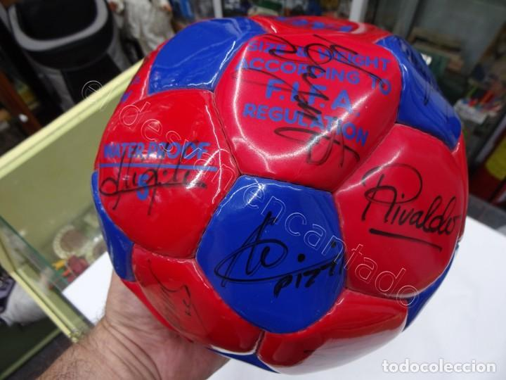 Coleccionismo deportivo: Balon con firmas originales FC Barcelona. Años 90. NADAL-SERGI-RIVALDO-PIZZI...... - Foto 5 - 210768005