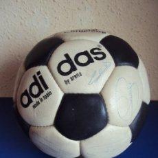 Coleccionismo deportivo: (F-200799)BALON ADIDAS SATURN AÑOS 70 - FIRMAS ORIGINALES CRUYFF,SOTIL,COSTAS,GALLEGO,ETC.. Lote 213303975