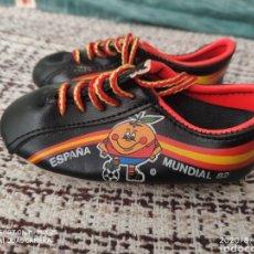 Coleccionismo deportivo: BOTAS SOUVENIR MUNDIAL 82 ESPAÑA EL NARANJITO. Lote 213460183