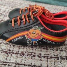 Coleccionismo deportivo: BOTAS SOUVENIR MUNDIAL 82 ESPAÑA EL NARANJITO. Lote 213460342