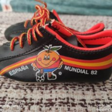 Coleccionismo deportivo: BOTAS SOUVENIR MUNDIAL 82 ESPAÑA EL NARANJITO. Lote 213460513