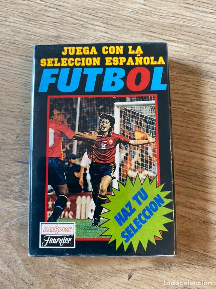 Coleccionismo deportivo: Lote España Eurocopa 1996 Fútbol Colección Balón Adidas Revista Don Balón y Naipes Fournier - Foto 14 - 215710777