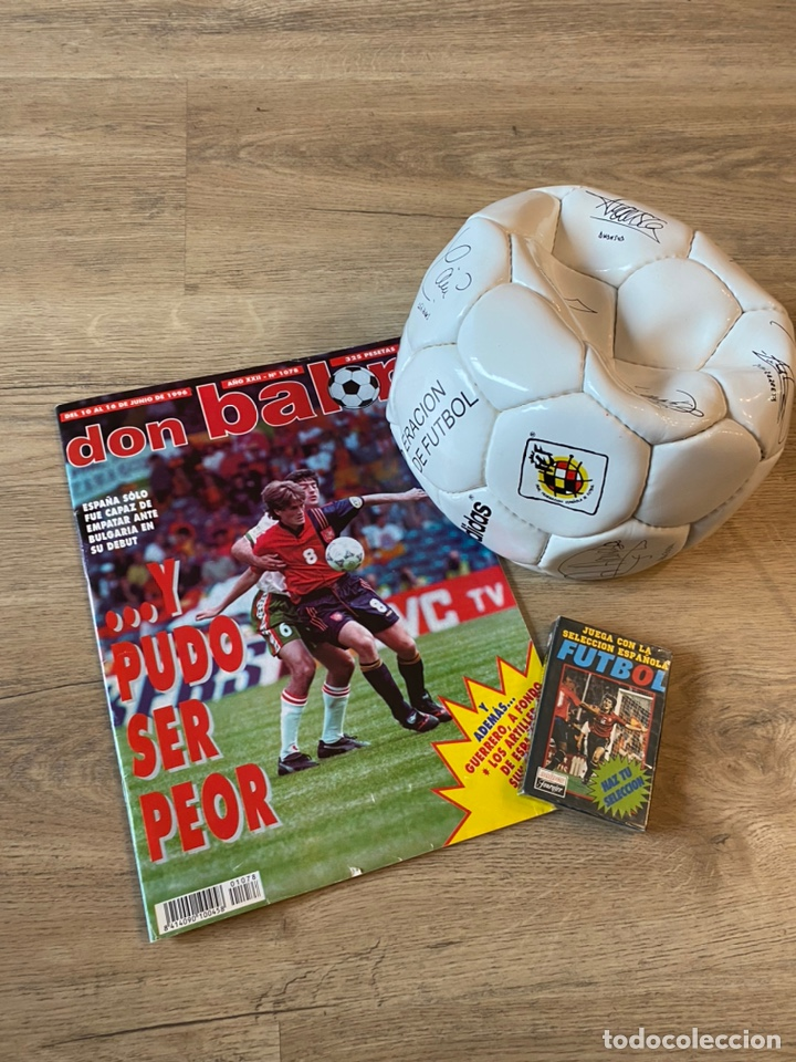 Coleccionismo deportivo: Lote España Eurocopa 1996 Fútbol Colección Balón Adidas Revista Don Balón y Naipes Fournier - Foto 19 - 215710777