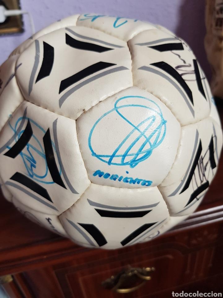 Coleccionismo deportivo: BALON REGLAMENTO FIRMAS ORIGINALES PLANTILLA REAL MADRID 1999-2000 - OCTAVA COPA EUROPA - Foto 6 - 218376415