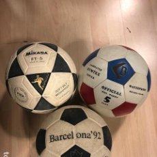 Coleccionismo deportivo: LOTE DE 3 BALONES - PELOTAS DE FUTBOL. Lote 218397558