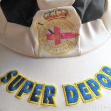 Coleccionismo deportivo: GORRA RCD LA CORUÑA VISERA + LOGO BORDADO + SKAY CALIDAD AJUSTABLE CAP MUTZE GORRO. Lote 218916173
