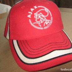 Coleccionismo deportivo: GORRA AJAX AMSTERDAM OFFICIAL VISERA Y NUEVA NEW + BORDADA TOTAL CALIDAD AJUSTABLE CAP MUTZE. Lote 218917183