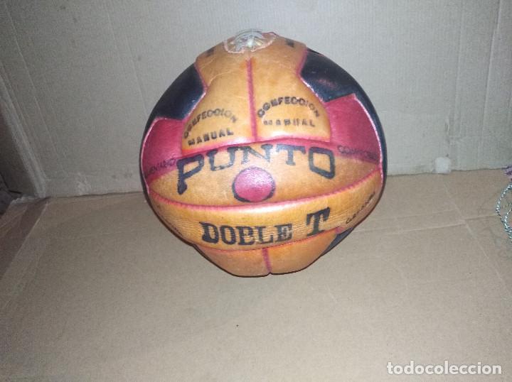 Coleccionismo deportivo: balon futbol punto doble t reglamentario años 40 leer ver envio - Foto 2 - 219492112