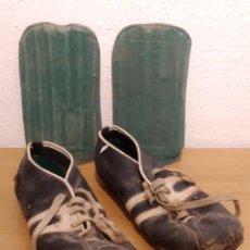 Coleccionismo deportivo: LOTE BOTAS FUTBOL ANTIGUAS AÑOS 30 / 40. Lote 219511345