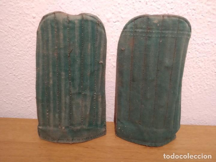 Coleccionismo deportivo: Lote botas futbol antiguas años 30 / 40 - Foto 5 - 219511345