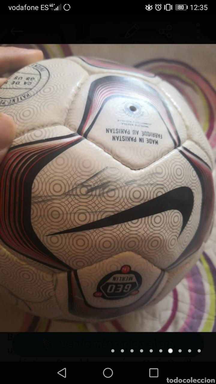 Coleccionismo deportivo: Balón de la liga usado en partido, firmado equipo real Madrid 2006/7 + foto - Foto 7 - 222013158