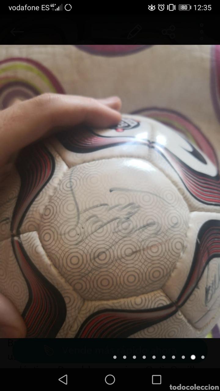 Coleccionismo deportivo: Balón de la liga usado en partido, firmado equipo real Madrid 2006/7 + foto - Foto 9 - 222013158