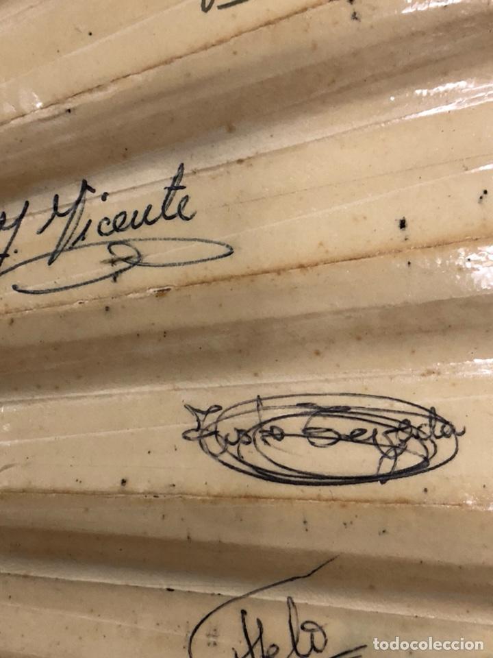 Coleccionismo deportivo: Magnifico abanico firmado por los futbolistas Del Real madrid, años 60 - Foto 11 - 222605823