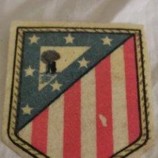 Coleccionismo deportivo: ESCUDO DEL AT DE MADRID. Lote 228696380