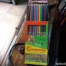 Coleccionismo deportivo: CAJA LÁPICES DE COLORES CLUB FUTBOL BARCELONA AÑOS 50. Lote 229851045