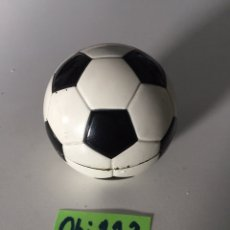 Coleccionismo deportivo: RELOJ DE MESA BALÓN 1966. Lote 230369870