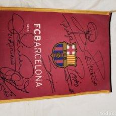 Collezionismo sportivo: BANDERIN O SIMILAR DEL FC BARCELONA CON FIRMAS. Lote 231181030