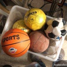 Coleccionismo deportivo: LOTE DE 5 BALONES, FÚTBOL Y BALONCESTO. Lote 232447120