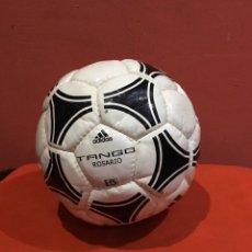 Coleccionismo deportivo: ANTIGUO BALON DE FUTBOL TANGO ROSARIO ADIDAS FIFA . VER FOTOS. Lote 234821395