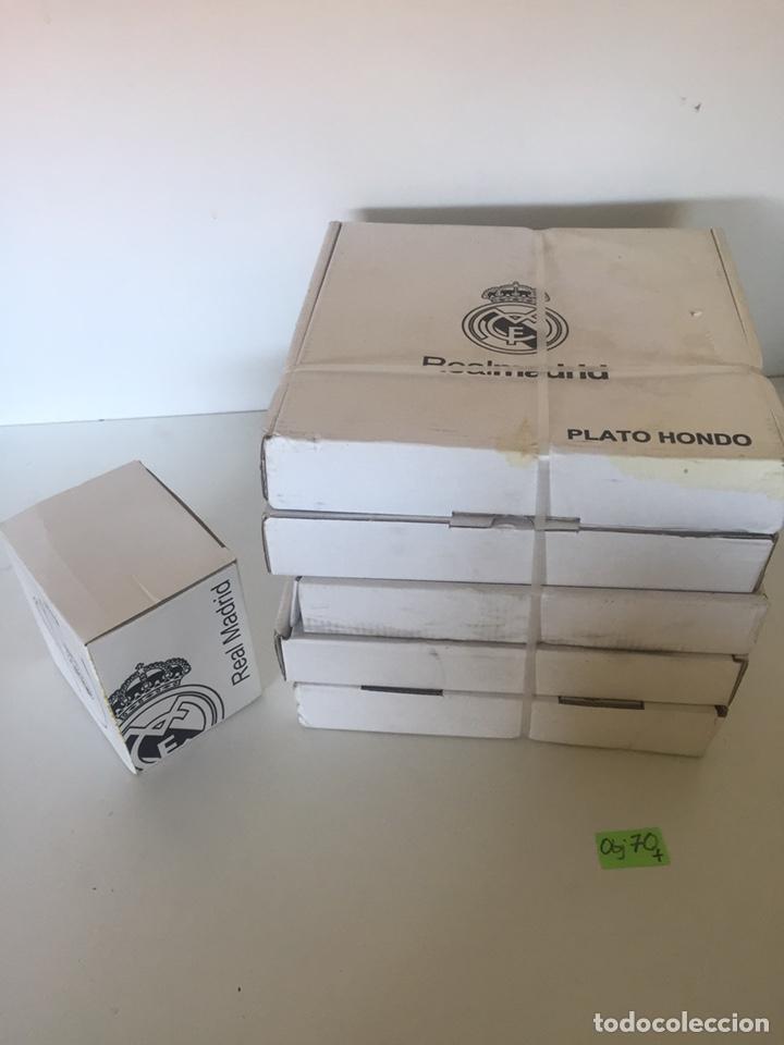 Coleccionismo deportivo: Conjunto de platos y taza Del Real madrid 10 piezas - Foto 2 - 235833010