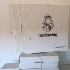 Coleccionismo deportivo: CONJUNTO DE PLATOS Y TAZA DEL REAL MADRID 10 PIEZAS. Lote 235833010