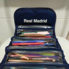 Coleccionismo deportivo: ESTUCHE DE LÁPICES Y ROTULADORES DEL REAL MADRID. Lote 242868140