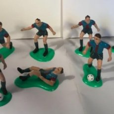 Coleccionismo deportivo: FIGURAS 11 JUGADORES DEL BARCELONA BARÇA. Lote 251543730