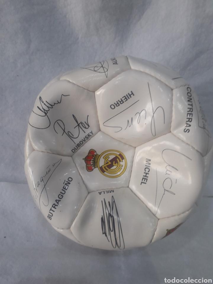 Coleccionismo deportivo: Balón Real Madrid firmado - Foto 3 - 254011380