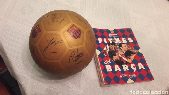 Coleccionismo deportivo: BALON FUTBOL FIRMAS JUGADORES DE BARSA 2013-NEYMAR-MESSI-JAVI-PUJOL-PEDRO-PIQUE Y 39 FICHAS CRUYFF - Foto 2 - 254071205