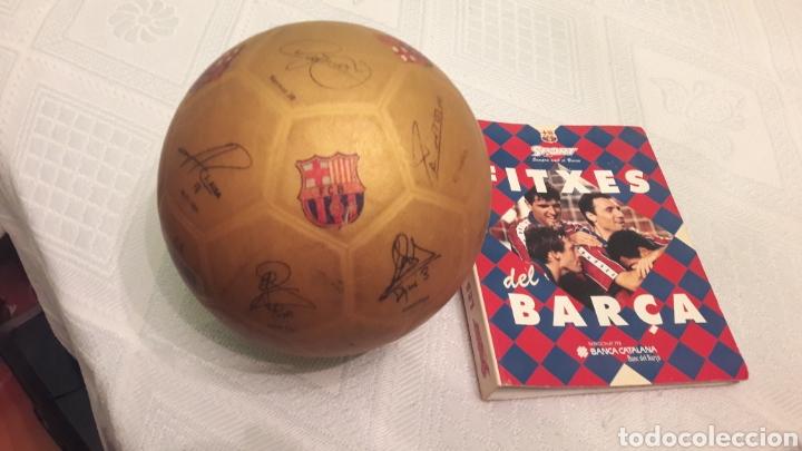 BALON FUTBOL FIRMAS JUGADORES DE BARSA 2013-NEYMAR-MESSI-JAVI-PUJOL-PEDRO-PIQUE Y 39 FICHAS CRUYFF (Coleccionismo Deportivo - Material Deportivo - Fútbol)