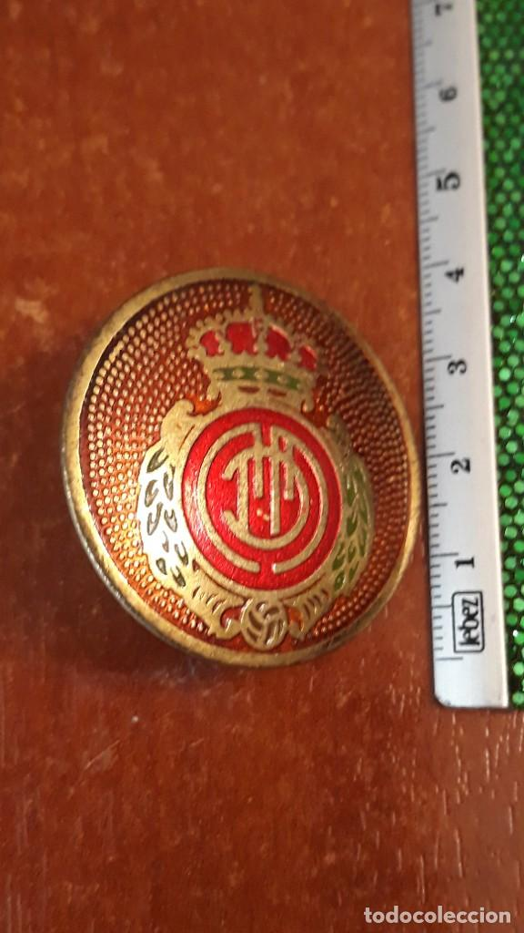 CHAPA ANTIGUA DEL REAL CLUB DEPORTIVO MALLORCA PARA MOTO VESPA (Coleccionismo Deportivo - Material Deportivo - Fútbol)