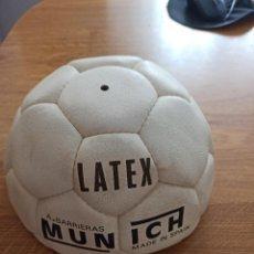 Coleccionismo deportivo: BALON A. BARRIERAS MUNICH LATEX ABT. BARRI-BALL NUEVO SIN USO. AÑOS 70. Lote 261916045