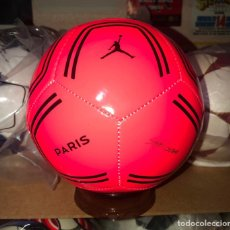 Coleccionismo deportivo: MINI BALON NIKE PSG X AIR JORDAN 2020. Lote 262741170