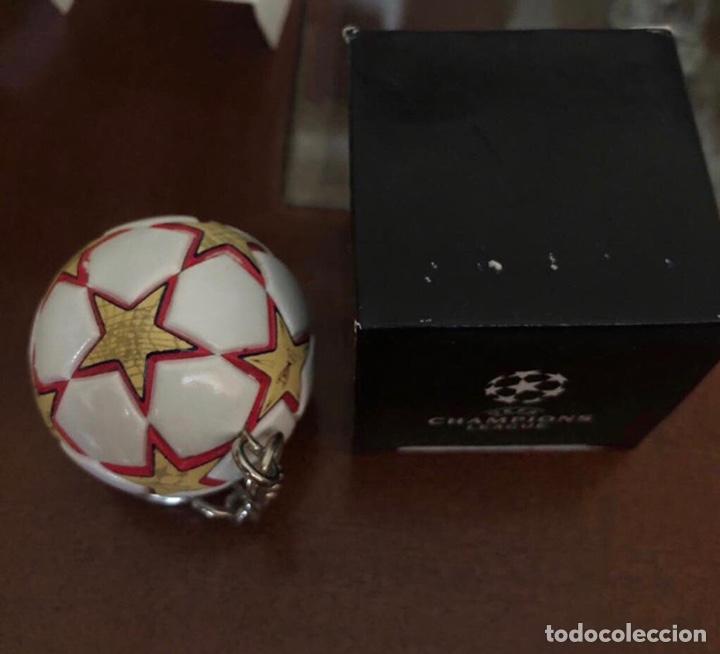 Coleccionismo deportivo: Llavero Balón Final Champions Madrid 2010 - Foto 3 - 262857525