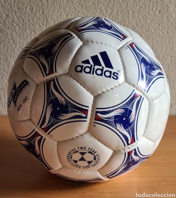 BALÓN ADIDAS TRICOLORE MUNDIAL FÚTBOL FRANCIA 1998 OFFICIAL WORLD CUP BALL SOCCER (Coleccionismo Deportivo - Material Deportivo - Fútbol)