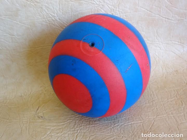 Coleccionismo deportivo: antigua pelota pvc años 60 - 70 barça - Foto 3 - 268849309
