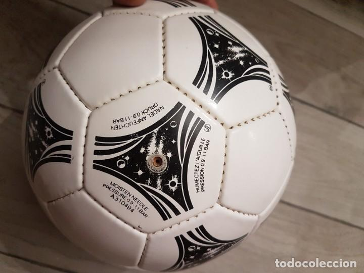 Coleccionismo deportivo: Balón Adidas Questra 1994 Mundial EEUU - Foto 2 - 268927274