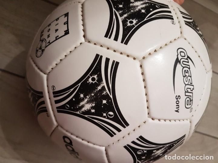 Coleccionismo deportivo: Balón Adidas Questra 1994 Mundial EEUU - Foto 3 - 268927274