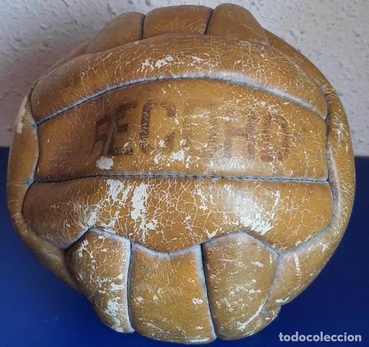 (F-210608)BALON 18 PANELES MARCA RECORD AÑOS 60S (Coleccionismo Deportivo - Material Deportivo - Fútbol)