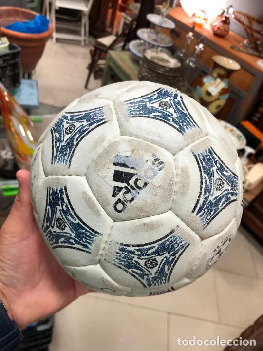 Coleccionismo deportivo: ANTIGUO BALON DE FUTBOL SALA ADIDAS - Foto 6 - 272202618