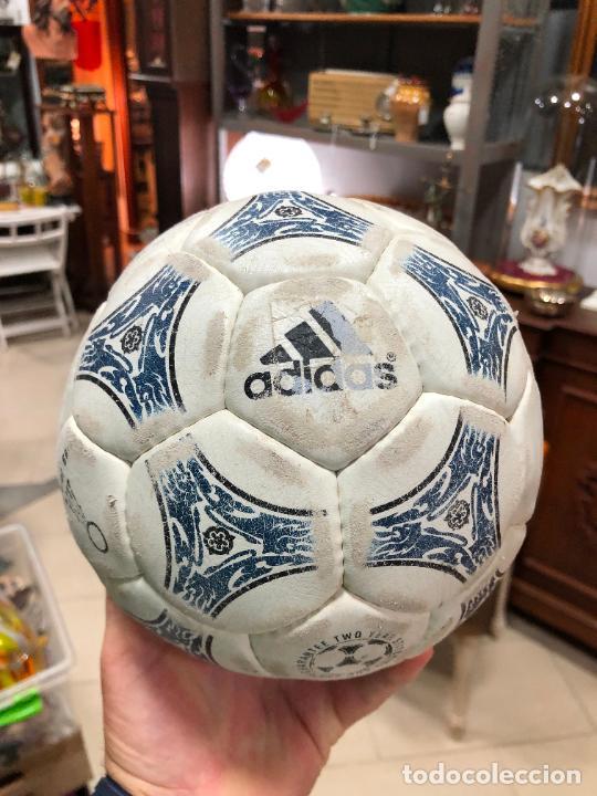 ANTIGUO BALON DE FUTBOL SALA ADIDAS (Coleccionismo Deportivo - Material Deportivo - Fútbol)