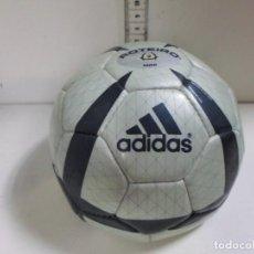 Coleccionismo deportivo: BALON ADIDAS PEQUEÑO. Lote 278466823