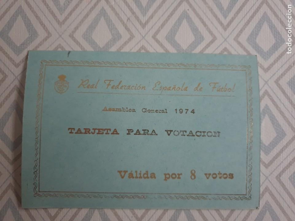 BONITA TARJETA REAL FEDERACION ESPAÑOLA DE FUTBOL ASAMBLEA GENERAL 1974. (Coleccionismo Deportivo - Material Deportivo - Fútbol)