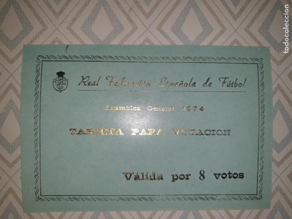 Coleccionismo deportivo: BONITA TARJETA REAL FEDERACION ESPAÑOLA de FUTBOL ASAMBLEA GENERAL 1974. - Foto 2 - 278492338