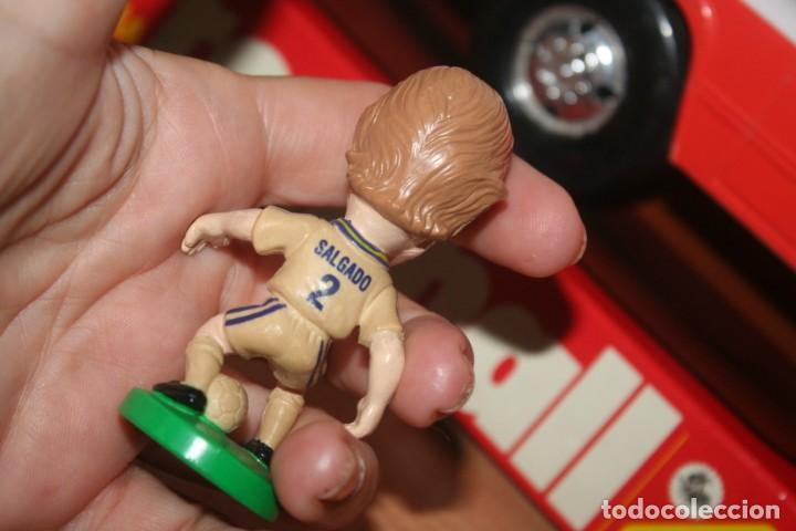 Coleccionismo deportivo: target 2000 muñeco real madrid futbol salgado - Foto 2 - 289307958