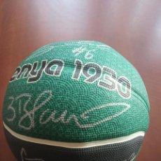 Coleccionismo deportivo: CJB JOVENTUT BADALONA BALL PELOTA BASKET BASQUET SIGNED TEAM PLAYERS LEGEND. Lote 294563153