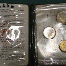 Numismatisches Material - CARPETILLA DE MONEDAS DE 1/5/25 PESETAS. 1977 - 30776544