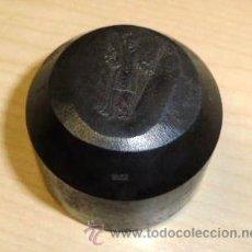 Material numismático: MUY INTERESANTE Y RARO MOLDE PARA HACER MEDALLAS DE ESQUIADORES - ESQUÍ. Lote 36429196